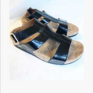 FitFlop patent leather sandals